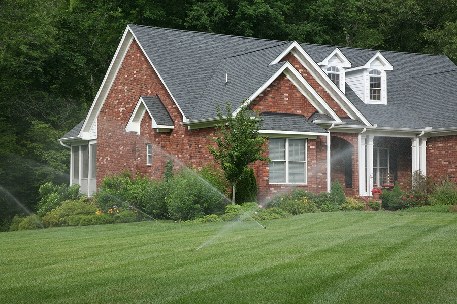 the right sprinkler, Choosing the Right Sprinkler System for your Yard