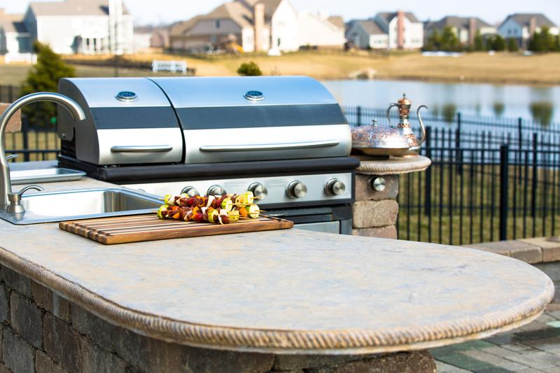 outdoor kitchen, Fire Up the Grill: Outdoor Kitchen Must-Haves