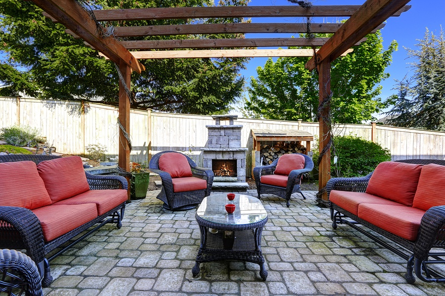 components of an outdoor living space, Elements of an Outdoor Living Space